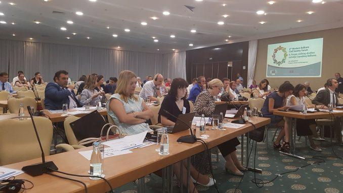 Очекује се око 100 учесника укључујући представнике организација цивилног друштва из 6 земаља Западног Балкана као и представнике из ЕУ – Ларс Гунар Вигемарк, шеф ЕУ Делегације и специјални представник у БиХ, Јоханес Хан, комесар за европску сусједну политику и проширење, Горан Свилановић, генерални секретар Регионалног савјета за сарадњу