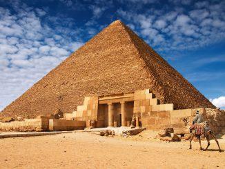 Prvi ikada zabilježeni štrajk desio se prilikom izgradnje Keopsove piramide