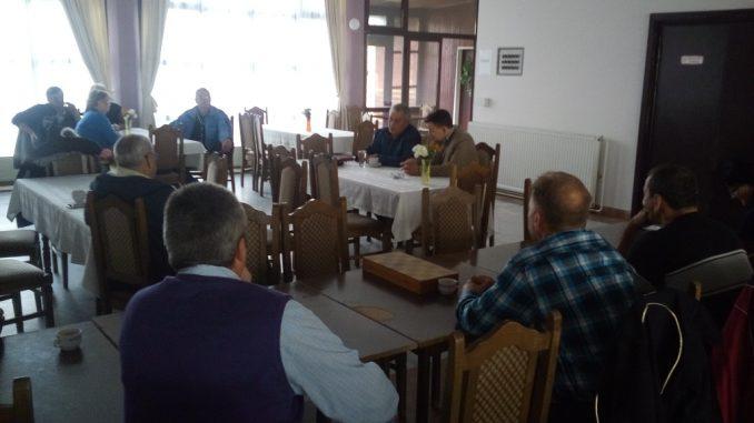 Predsjednik Sindikata trgovine, turizma,ugostiteljstva i uslužnih djelatnosti Republike Srpske Goran Savanović, razgovarao je 8. novembra 2017. godine sa radnicima i poslovodstvom Banje ,,Dvorovi,, kod Bijeljine.