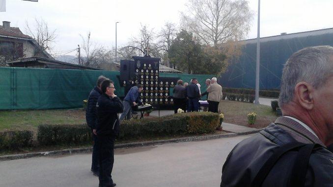 U Bratuncu otkriven spomenik poginulim radnicima Tehničkog remonta i Kaolina