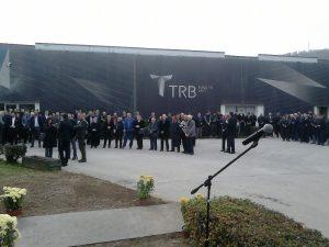 Откривању споменика присуствовале су бројне делегације, и чланови породица погинулих радника
