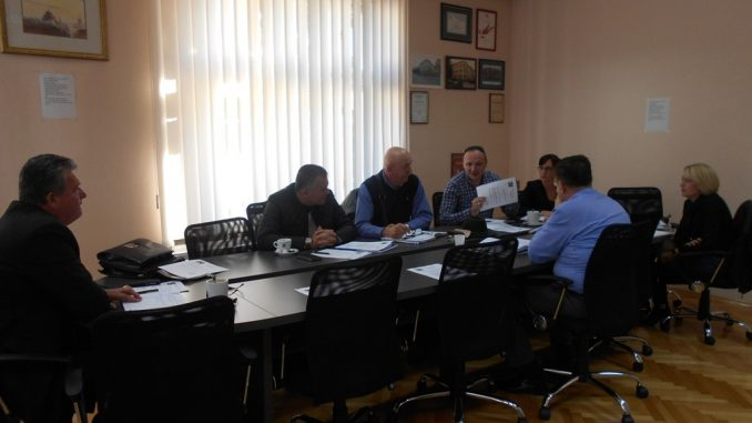 U Domu sindikata u Banjaluci, 31. oktobra 2017. godine, održana je sjednica predsjednika granskih sindikata privrednih djelatnosti, članica Saveza sindikata Republike Srpske.