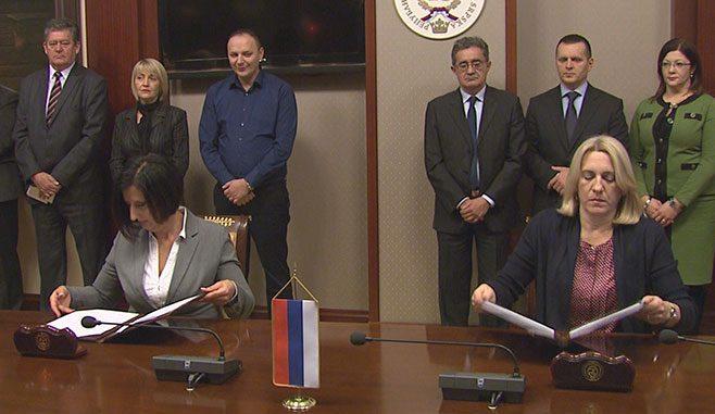 Potpisan Memorandum o zajedničkim mjerama između Saveza sindikata Republike Srpske i Vlade Republike Srpske ( Foto RTRS )