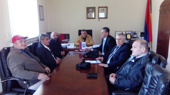 """Sastanak u vezi pokretanja proizvodnje u fabrici za proizvodnju gipsa """" Volari """" Šipovo"""