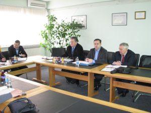 Договорени су и састанци са предсједницима преосталих привредних синдиката, а врло брзо ће доћи и до реализација састанка са власницима и директорима текстилних предузећа у Градишци