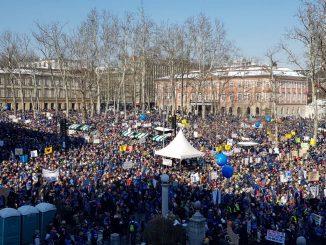 Велики штрајк и демонстрације у Љубљани - за боље вредновање наставничке професије
