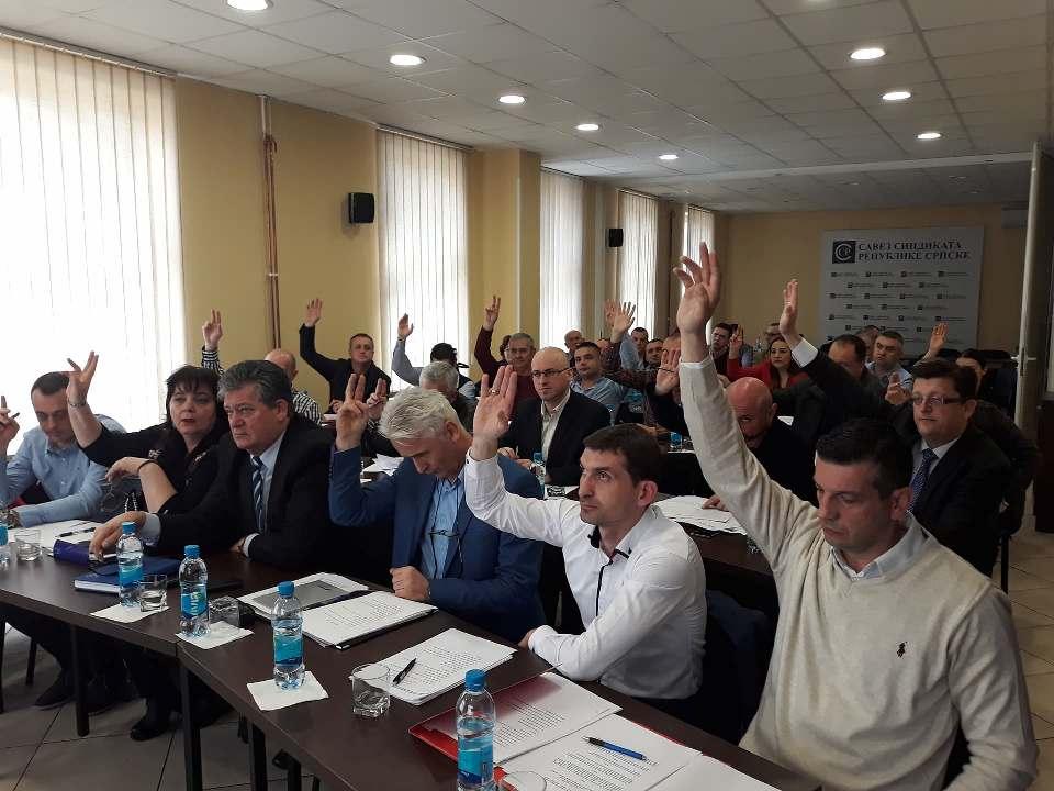 Skupština je jednoglasno izabrala organe ove grane, i to republički, nadzorni i statutarni odbor, te usvojila Statut i druge akte neophodne za funkcionisanje sindikata