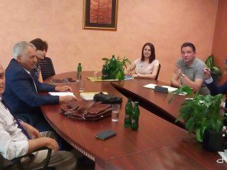 u Tuzli održan sastanak poslovodstva kompanije Bingo, na čelu sa direktorom Edinom Ibrahimovićem , i predstavnika Sindikata trgovine ,ugostiteljstva ,turizma i uslužnih djelatnosti Republike Srpske