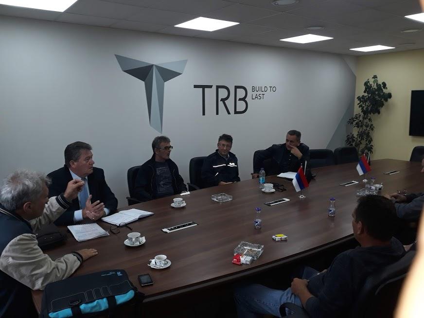 На састанку је синдикални одбор донио закључак да се генералном директору предузећа упути позив за одржавање састанка