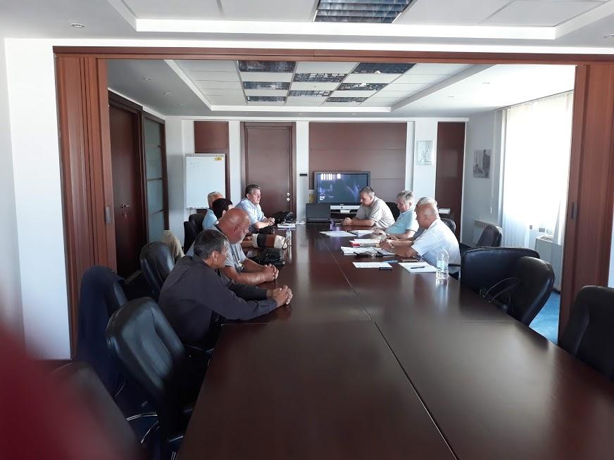 Преговорима је присуствовао и Тане Пеулић, предсједник Синдиката металске индустрије и рударсва Републике Српске и Зоран Ђедовић, извршни секретар регионалног синдикалног центра Добој.