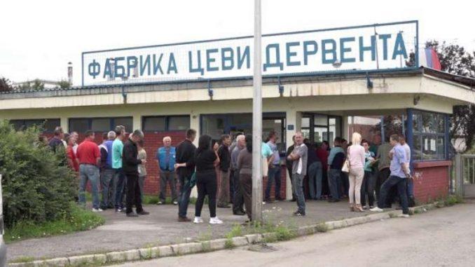"""Састанак са штрајкачким одбором """" УНИС """" Дервента"""