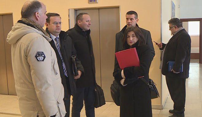 Održan sastanak sa Vladom RS, danas Uredba o povećanju plata prosvjetnim radnicima ( Foto RTRS )