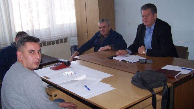 """Predsjednik Tane Peulić na sindikalnom sastanku u gradiškom """" Metalu """""""