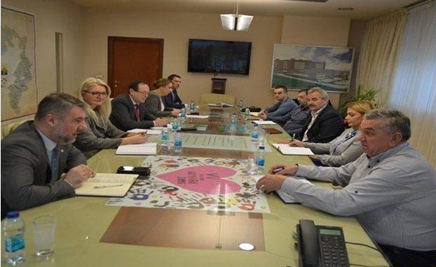 Састанак представника Синдиката здравства и социјалне заштите РС са министром Аленом Шеранићем