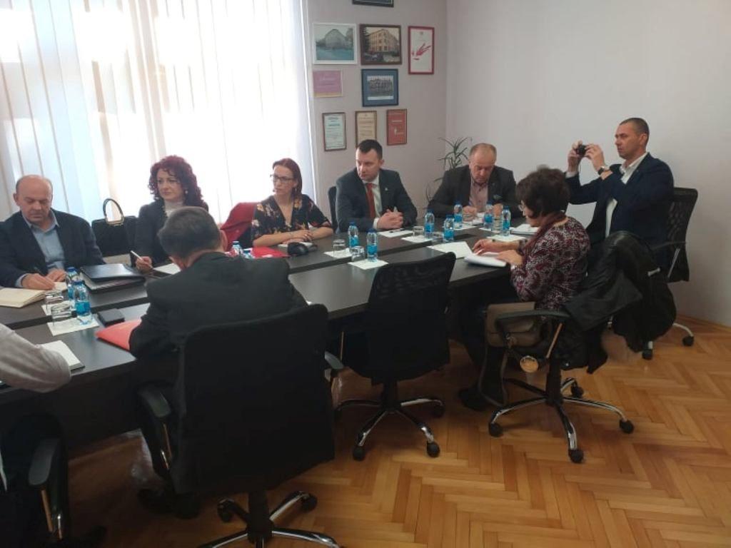 Главни републички инспектор рада Зоран Микановић истакао је да инспекцији рада досљедну примјену Закона о раду значајно отежава непостојање колективног уговора