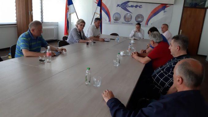 """Sastanak sindikalnog odbora """"KOSMOS"""" Banjaluka sa direktorom preduzeća"""