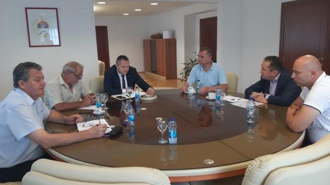 """Састанак представника предузећа """"КОСМОС"""" Бањалука са ресорним министром"""