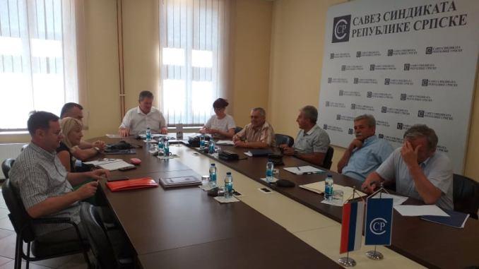 До краја августа иницијатива за потписивање гранских колективних уговора за раднике у привредив