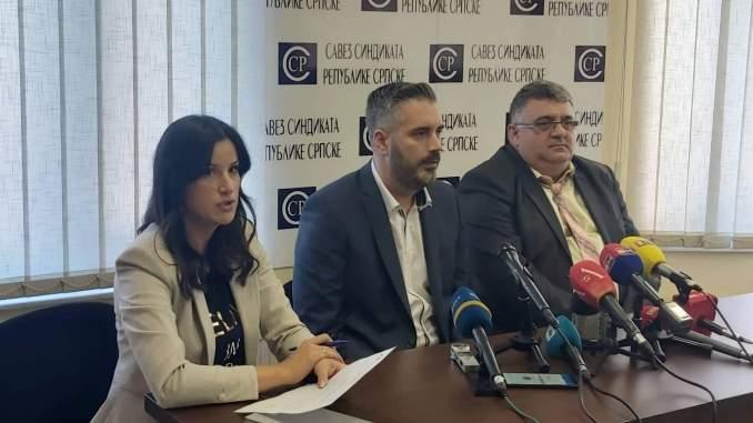 Ministar Srđan Rajčević u Domu sindikata na pregovorima o povećanju plata