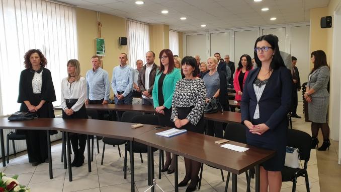 Intoniranjem himne Republike Srpske u Domu sindikata u Banjaluci otpočelo je obilježavanje Svjetskog dana prosvjetnih radnika