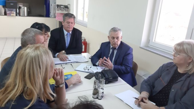 "Представници Савеза синдиката РС у предузећу ""Колектор ЦЦЛ"""
