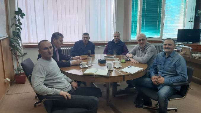 """Sjednica Sindikalnog odbora UNIS """"UCHA"""" Višegrad sa direktorom preduzeća"""