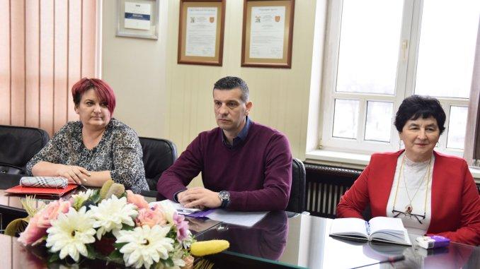 Посебни колективни уговор за запослене у локалној самоуправи, на захтјев Синдиката локалне самоуправе, управе и јавних служби РС, биће продужен на годину дана (Фото: Инфо Бијељина)