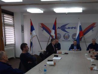 """Tane Peulić na pregovorima u banjalučkom preduzeću """"Kosmos"""""""