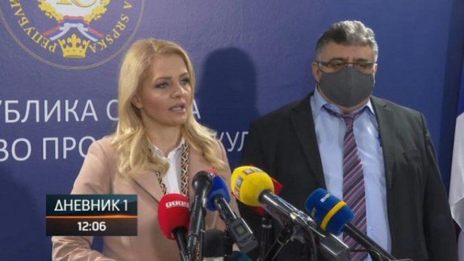 Sastanak Gnjatić - Trivić, do kraja polugodišta nastava u školskim klupama, nema smanjenja plata i naknada za prosvjetne radnike (Video)
