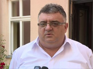 Драган Гњатић позвао просвјетне раднике да се вакцинишу