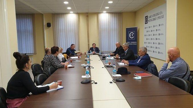 Предсједници гранских синдиката привреде Савеза синдиката РС позивају послодавце да потпишу колективне уговоре